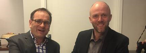 Foto: (f.v.) Bjørn Ola Holm, Faktura og Kredittsjef i Telenor og Karl Otto Aam, Administrerende Direktør for Arvato i Norge