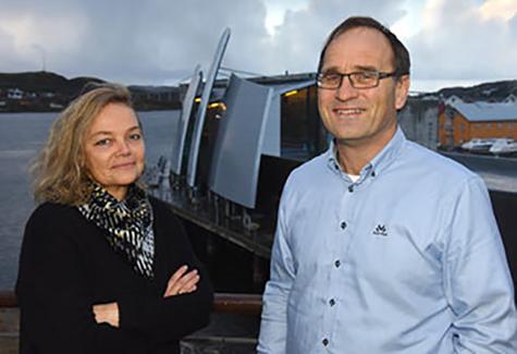 Foto: Kristin Moe Fj�r, Inkassosjef Arvato og Bj�rn Ola Holm, Faktura og Kredittsjef i Telenor.
