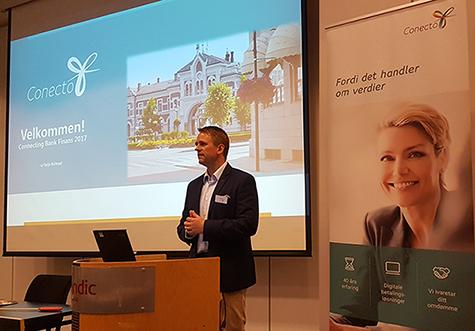 Foto: Avd. direktør Terje Kvitrud i Conecto - åpner konferansen Connecting Bank/Finans 2017