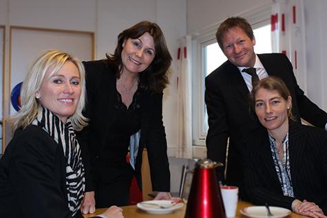 Foto: Fra venstre, Tove Giske, direkt�r Salg og Marked i Kredinor, Karin Breen, adm. direkt�r i Maik AS, Espen Munch, ansvarlig for anbudsprosesser i Kredinor og Cecilie Lunde, leder av produksjonsavdelingen i Maik AS
