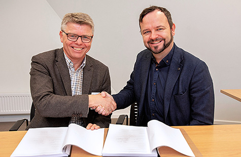 Foto: (f.v.) Sven Ingebretsen CEO i Sergel og Øivind Askvik CEO i Skagerak Nett